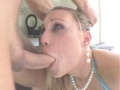 Sexy milf blow jobs