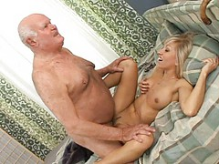 i-wanna-fuck-the-worlds-oldest-porn-star-scene1
